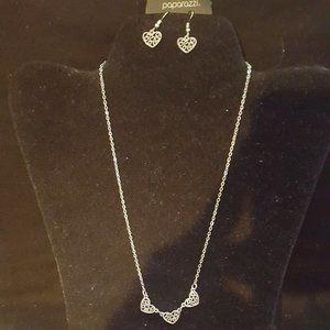Paparazzi Silver Heart Necklace Set